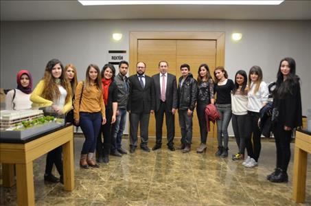 Aktif Yaşam Kulübü Öğrencilerinden Rektörümüze Ziyaret