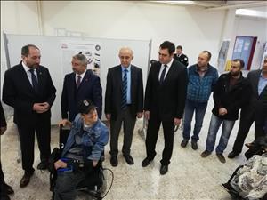 Üniversitemiz Mühendislik Fakültesinde Modifikasyonu Tamamlanan Engelli Aracı Sahibine Teslim Edildi