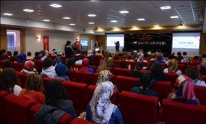 """Üniversitemizde """"Şairler Sultanı Necip Fazıl"""" Konulu Konferans Gerçekleştirildi"""