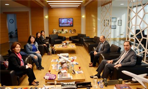 Kırgız Rus Slavik Üniversitesi Öğretim Elemanı ve Öğrencilerinden Rektörümüze Ziyaret