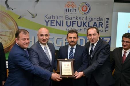 """""""Katılım Bankacılığında Yeni Ufuklar"""" İsimli Panel Düzenlendi"""