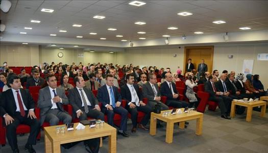 Sosyal Politika-Kuram ve Uygulamalar Konulu Panel Düzenlendi
