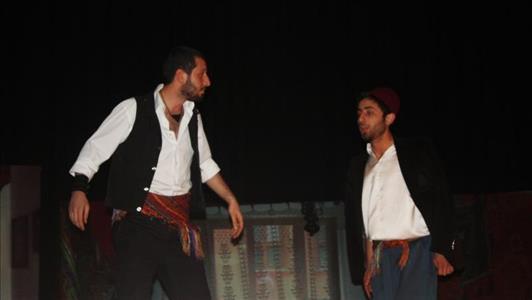 Yedi Kocalı Hürmüz Tiyatro Oyunu 12. Amatör Tiyatro Festivalinde Sahnelendi