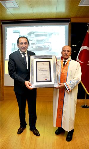 """Üniversitemizde Ömer Derindere'ye """"Fahri Doktora"""" Unvanı Verilmesi Töreni Gerçekleştirildi"""