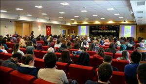 """""""Mikrobiyota ve İnsan Sağlığı"""" Konulu Konferans Gerçekleştirildi"""