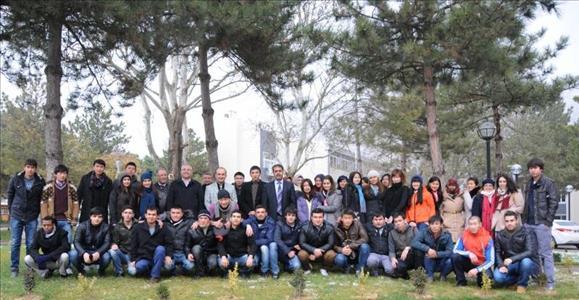 Yabancı Uyruklu Öğrencilerimize Yönelik Gezi Programları Devam Ediyor