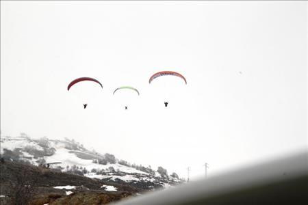 Üniversitemiz Havacılık ve Model Uçak Kulübü Öğrencileri Yamaç Paraşütü Etkinliğine Katıldı