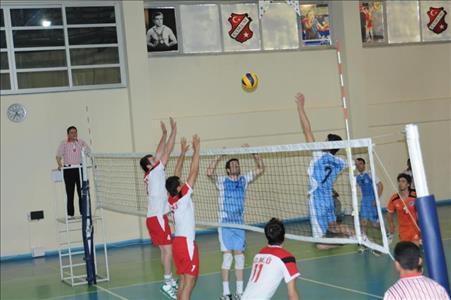 Üniversitelerarası Süper Lige Yükselme Voleybol ve Basketbol Müsabakalarında Kupalar Sahiplerini Bu