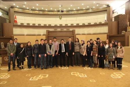 İktisadi ve İdari Bilimler Fakültesi Öğrencileri Anayasa Mahkemesi'ne Gezi Düzenledi