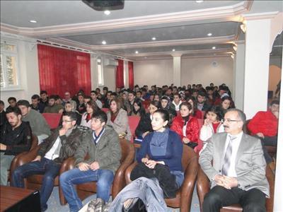 Meslek Yüksekokulu'nda İnsan Hakları Günü Dolayısıyla Konferans Düzenlendi