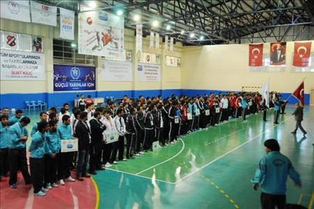 Üniversitelerarası Salon Futbolu Play Off Müsabakaları Açılışı Yapıldı