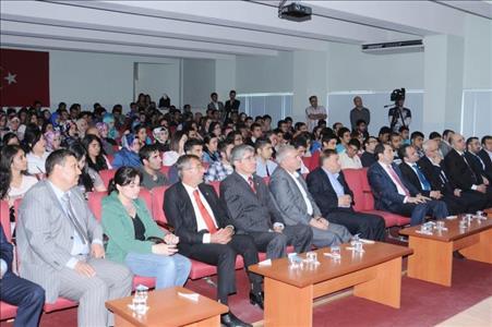 Küresel Medeniyet Krizi Ve Çıkış Yolu Konulu Konferans Düzenlendi