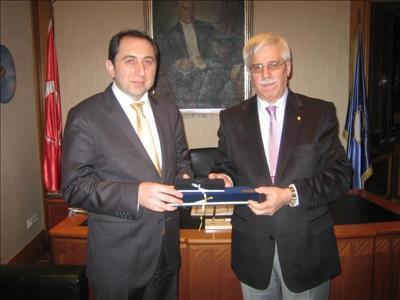 Üniversitemiz Rektörü Prof. Dr. Reha Metin ALKAN ve Anadolu Üniversitesi Rektörü Prof. Dr. Davut AY