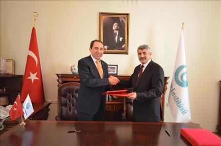 Üniversitemiz ile Yunus Emre Enstitüsü Arasında İşbirliği Protokolü İmzalandı