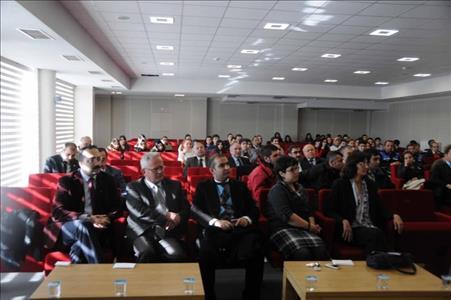 """""""Türkiye'de Engelliler ve Sorunları"""" İsimli Konferans Verildi"""