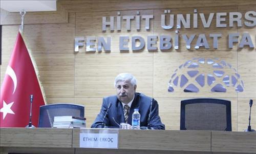 Ethem Erkoç Üniversitemizde Yazı ve Kitap Üzerine Bir Söyleşiye Katıldı