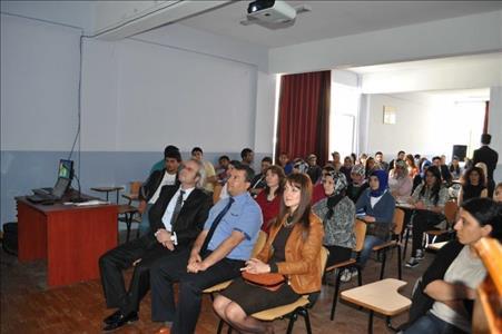 Sungurlu MYO'da 'Madde Bağımlılığı ve Bağımlılıkla Mücadele' Konulu Konferans Verildi