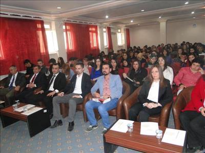 """Üniversitemiz Sosyal Bilimler Meslek Yüksekokulunda """"Turizmde Kariyer Fırsatları"""" Adlı Seminer Düze"""