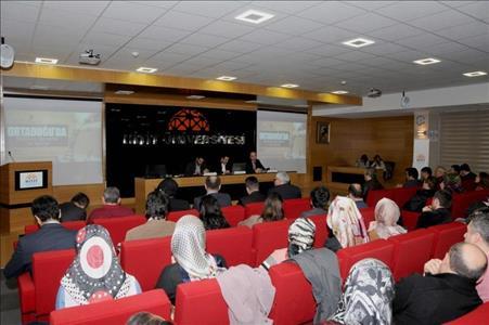 """Üniversitemizde """"Ortadoğu'da Değişen Dengeler ve Türkiye"""" Konulu Panel Düzenlendi"""