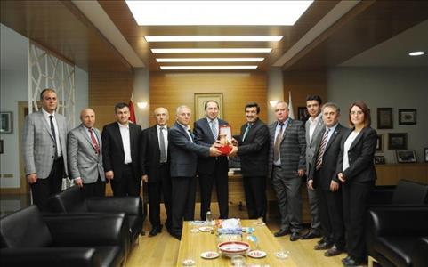 Çorum Ticaret Borsası Yönetim Kurulu Üyelerinden Rektörümüze Ziyaret