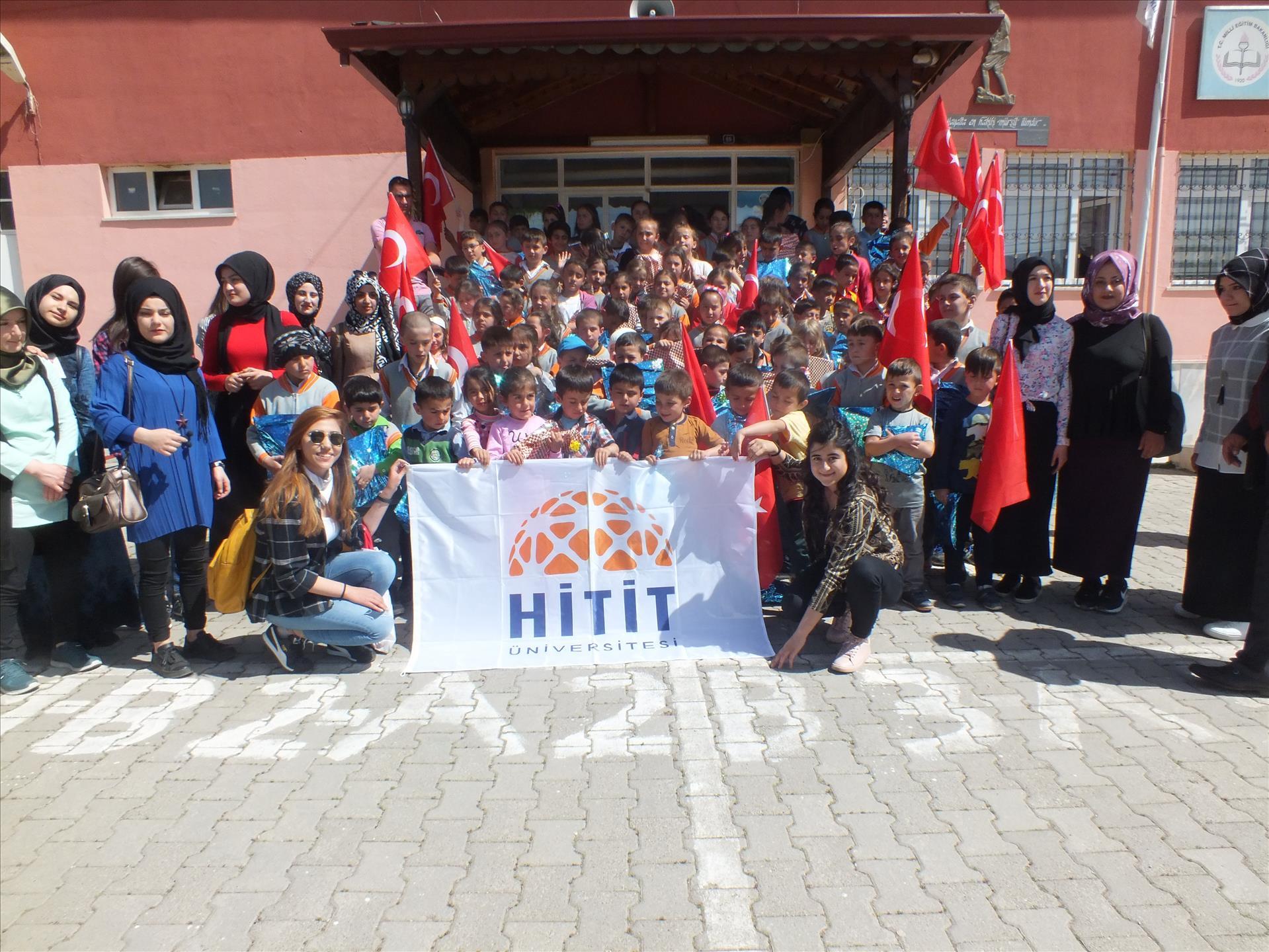 İskilip Meslek Yüksekokulu Öğrencilerinin Kuz Köyü İlkokulu Yardımlaşma Ziyareti