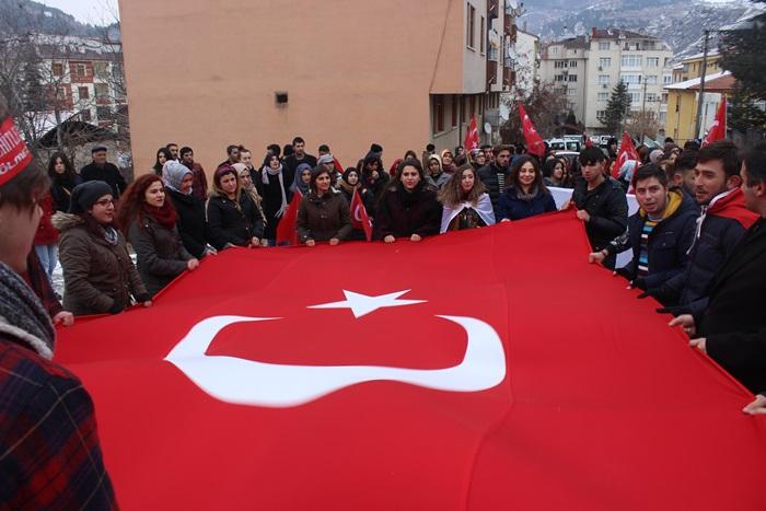 İskilip MYO Öğrencileri, Akademik Ve İdari Personel İle Şehitleri Anma Yürüyüşü